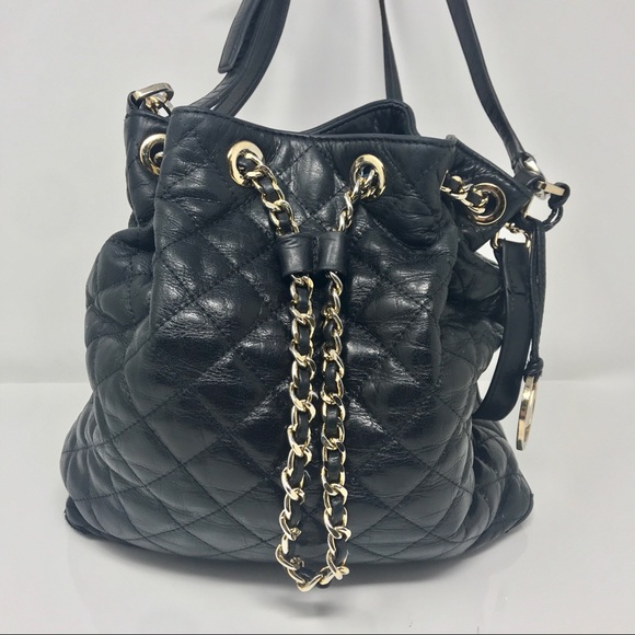 0fb08d2625 Michael Kors Frankie bucket bag quilted Leather. M 5b833bcd5bbb80474674c278